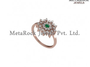 Rose Gold Flower Shape Pave Setting Diamond Gemstone Ring..