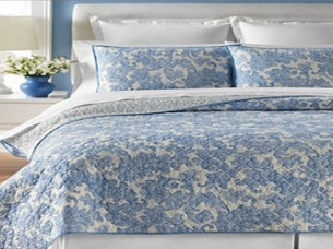 Attractive Design Light Weight Bed Quilt From Manufacturer..