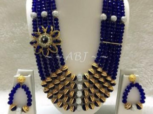 Queen Style Crystal Necklace Beaded Set..