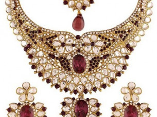 Pink Gold Plated Kundan Necklace Set..