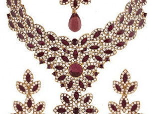 Purple Gold Plated Necklace Set..