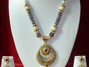 Fancy Look Imitation Pendant Set with Pearl Chain..