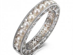 Diamond & Pearl Openable Type Bangle..