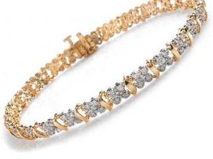 18k Yellow Gold Fabolous Diamond Bangle Bracelet..