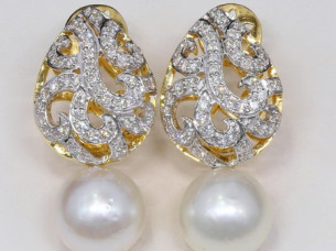 18k Real Diamond Pearl Drop Earrings..