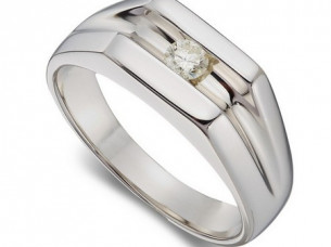 9CT Gold Men's Diamond Ring..