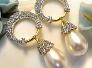 Trending Sterling Silver CZ & Pearl Drop Earring..