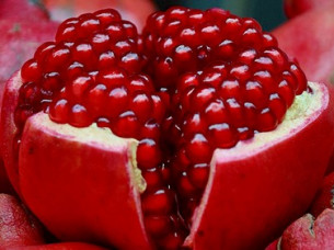 Fresh Pomegranates fruit for Gulf..