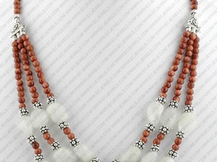 Pearl Jewelry necklace..